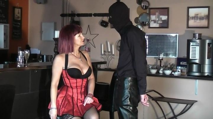 Lady Sannah In Scene: At the bar - DEUTSCHE DOMINAS / GERMANY FEMDOM - SD/404p/MP4