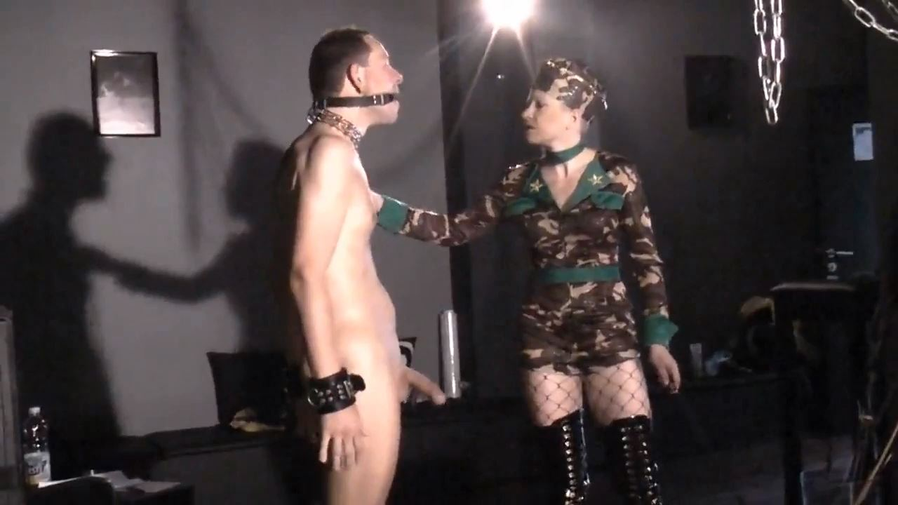 Mademoiselle Etienne In Scene: Slave training - DEUTSCHE DOMINAS / GERMANY FEMDOM - HD/720p/MP4