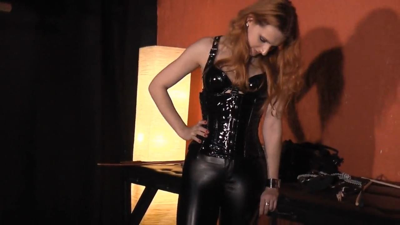 Lady Medusa In Scene: The fast wanker - DEUTSCHE DOMINAS / GERMANY FEMDOM - HD/720p/MP4