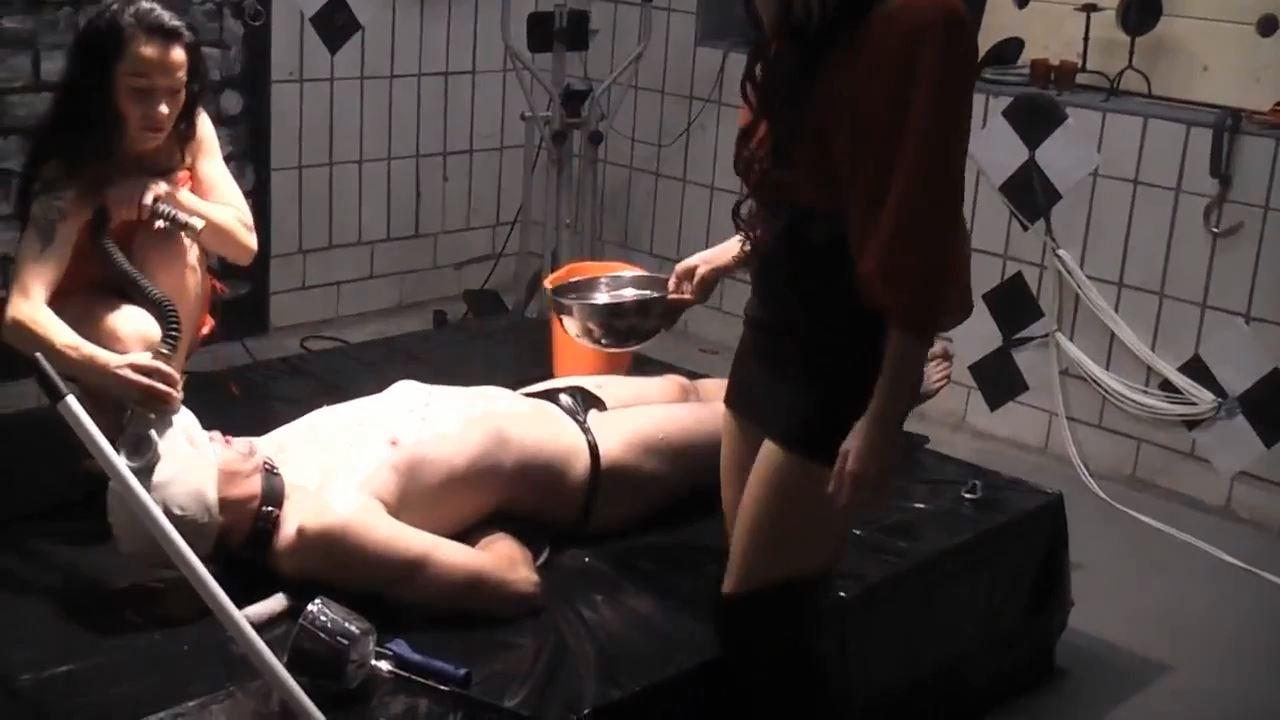 Senora el Combatiente In Scene: Brutal laundry - DEUTSCHE DOMINAS / GERMANY FEMDOM - HD/720p/MP4