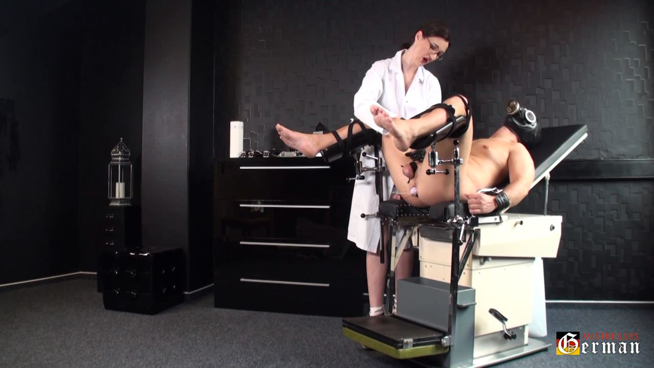 Lady Victoria Valente In Scene: Anal inspection on the - GERMANMISTRESSES - HD/720p/MP4