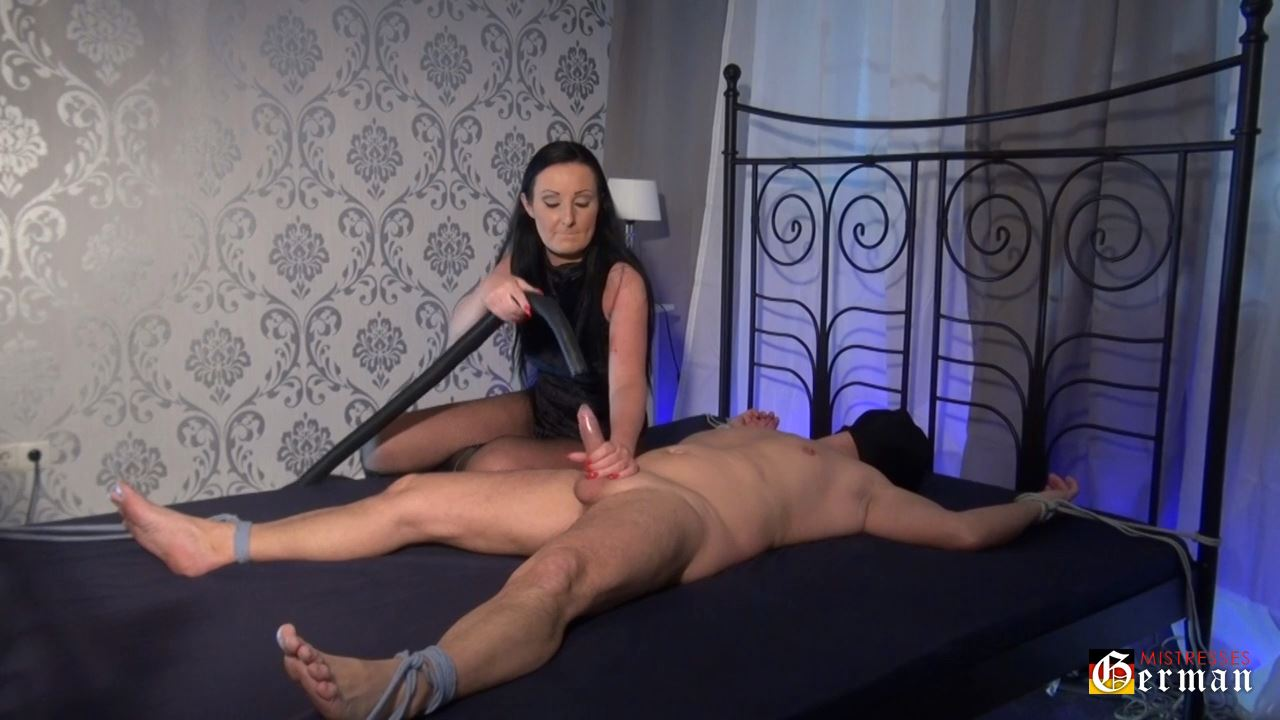 Lady Luciana In Scene: The vaccum cleaner - GERMANMISTRESSES - HD/720p/MP4