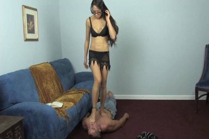 Mistress Kikko is relaxing - HEADUNDERHEELS - SD/480p/MP4