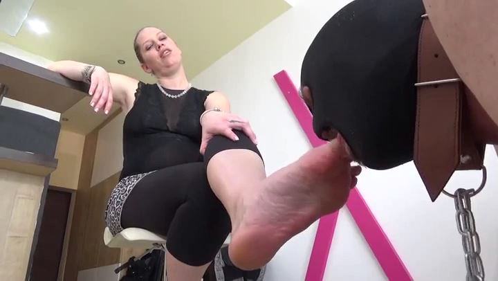 Lady Cruella In Scene: UNFAITHFUL HUSBAND - WORSHIP MY FEET SLAVE - LADY CRUELLAS GAMES - SD/406p/MP4