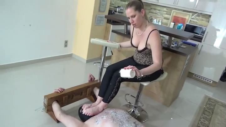 Lady Cruella In Scene: ANGRY DAUGHTER - DEADLY SOLES - LADY CRUELLAS GAMES - SD/406p/MP4