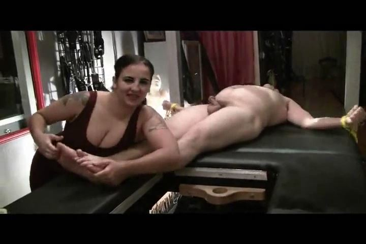Mistress Xena In Scene: Tickling tom's Feet - BIZARRE CINEMA - SD/480p/MP4