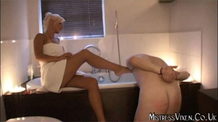 Mistress Vixen In Scene: Bathroom Slave Part 2 - MISTRESSVIXEN - SD/404p/MP4/SD/404p/MP4