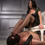 Mistress Nikita In Scene: Nylon Foot Dom – OBEYNIKITA – HD/720p/MP4