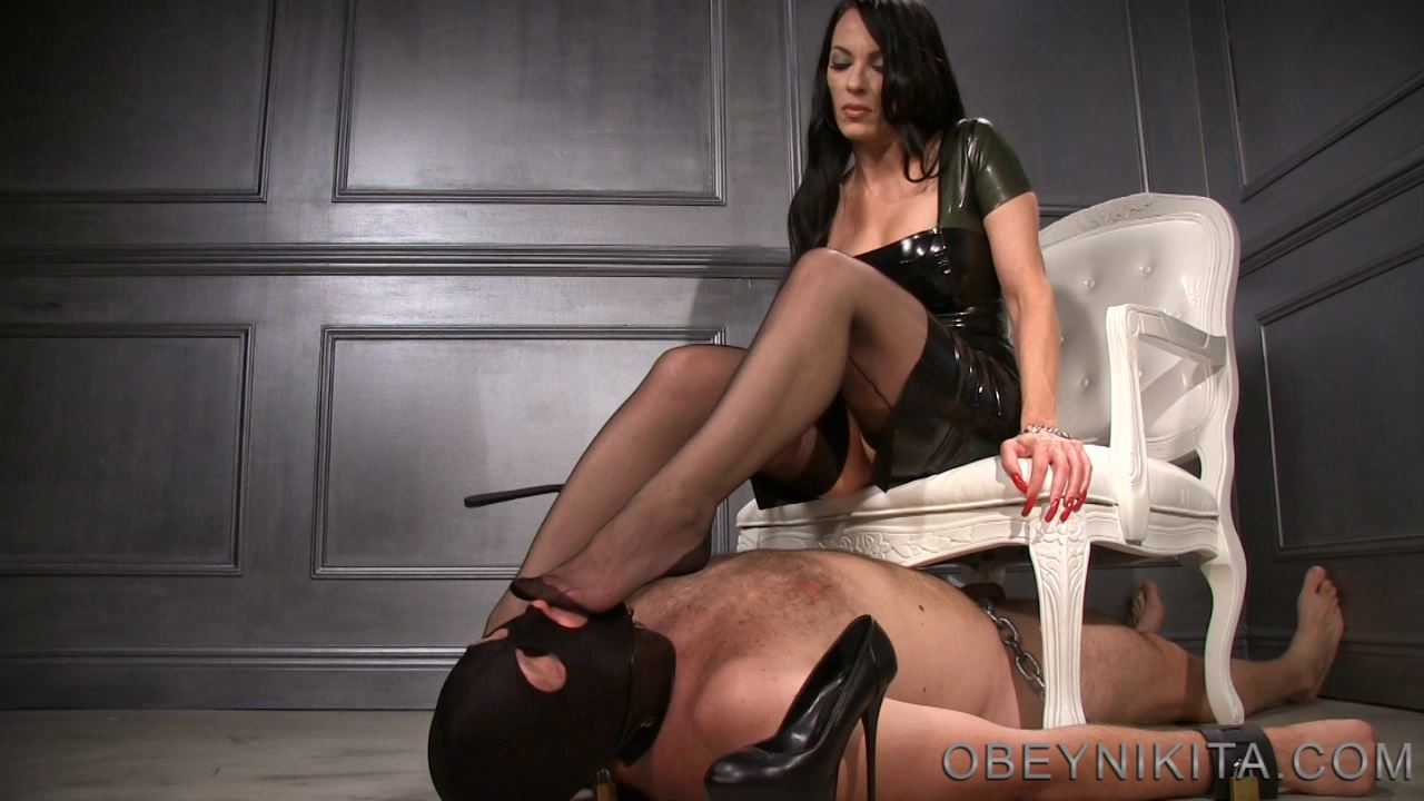 Mistress Nikita In Scene: Nylon Foot Dom - OBEYNIKITA - HD/720p/MP4
