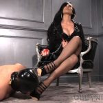 Mistress Nikita In Scene: Worship My Shiny Wedges – OBEYNIKITA – FULL HD/1080p/MP4