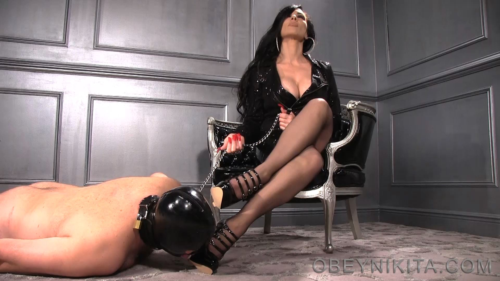 Mistress Nikita In Scene: Worship My Shiny Wedges - OBEYNIKITA - FULL HD/1080p/MP4
