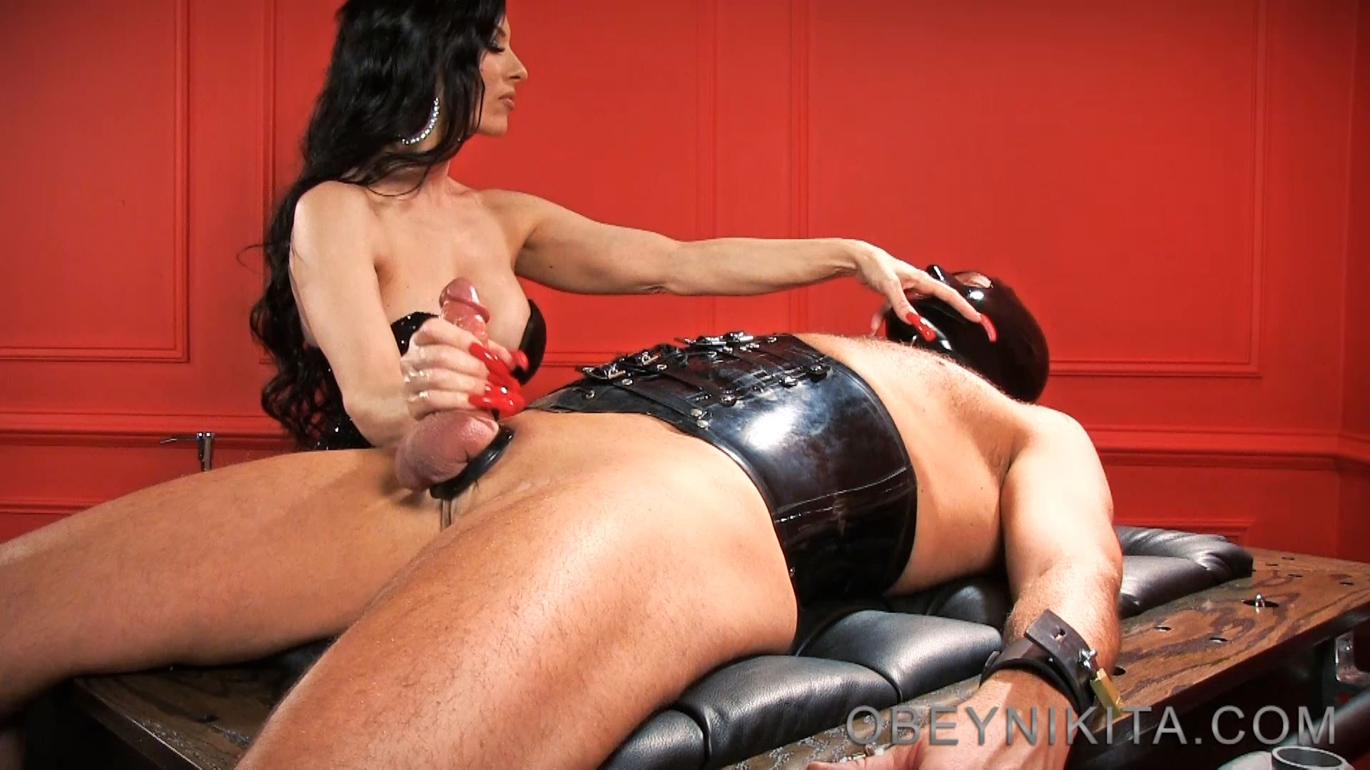 RED NAILS. FEATURING: MISTRESS NIKITA - OBEYNIKITA - FULL HD/1080p/MP4