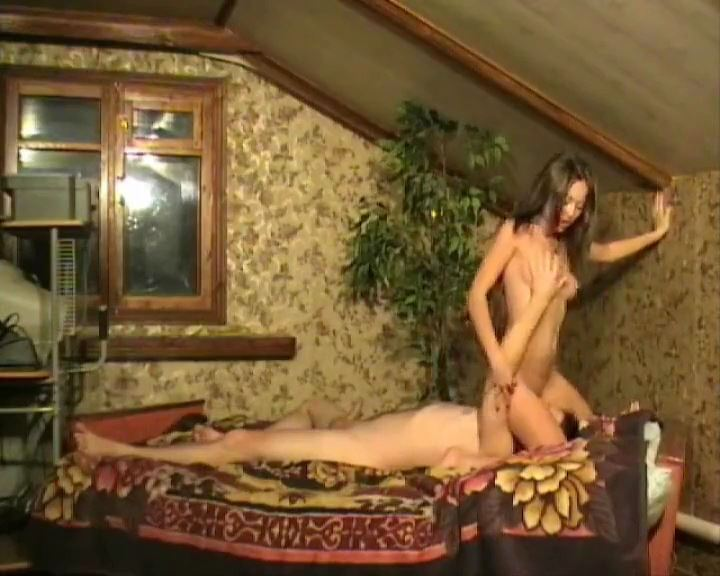 FACE SITTING (THE COLLECTION OF THE BEST MOMENTS) - RUSSIAN BALLBUSTING / BALLBUSTING ROKSANA - SD/576p/MP4
