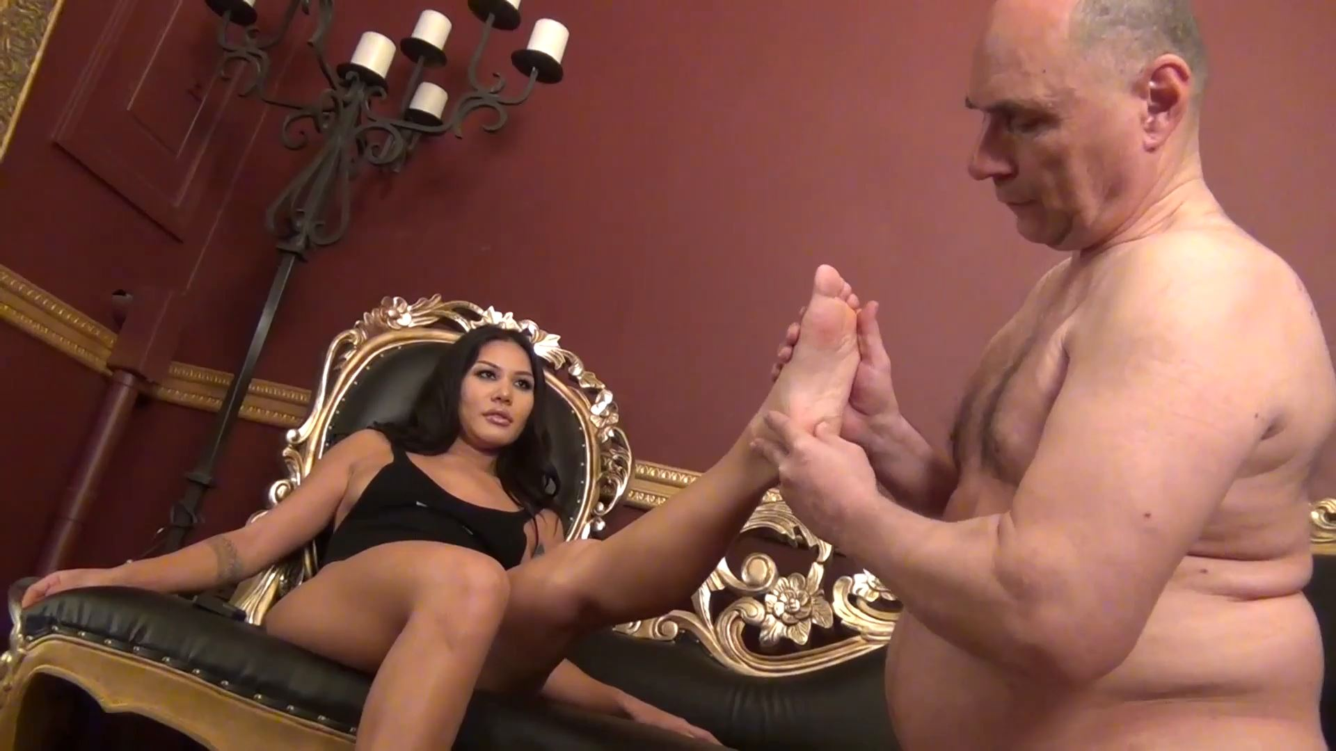 Goddess Mena In Scene: SWEAT LICKING LOSER! - ASIAN MEAN GIRLS - FULL HD/1080p/MP4