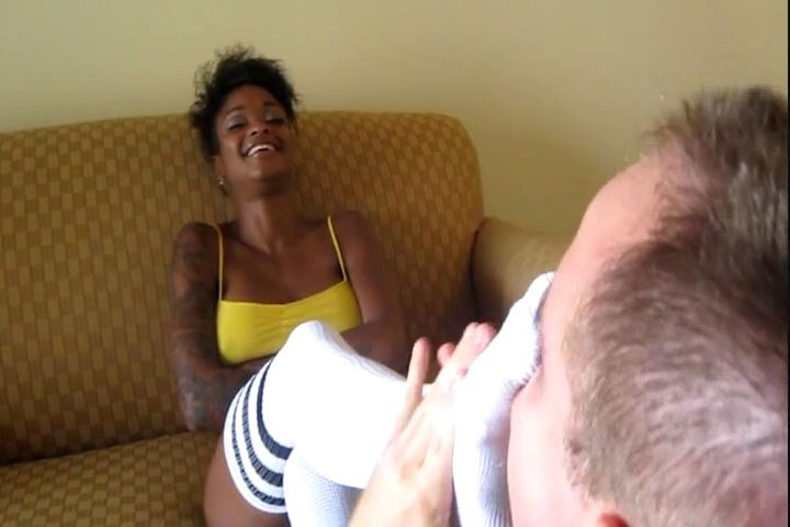 Ebony Goddess Tierra In Scene: Sock and Foot Smother - CRUDELIS AMATOR BALLBUSTING FETISH - SD/480p/MP4