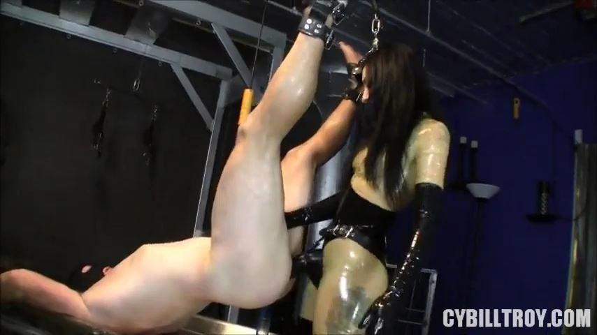 Mistress Cybill Troy In Scene: Size Matters - CYBILL TROY'S DTLA DOMINAS / CYBILLTROY - SD/480p/MP4