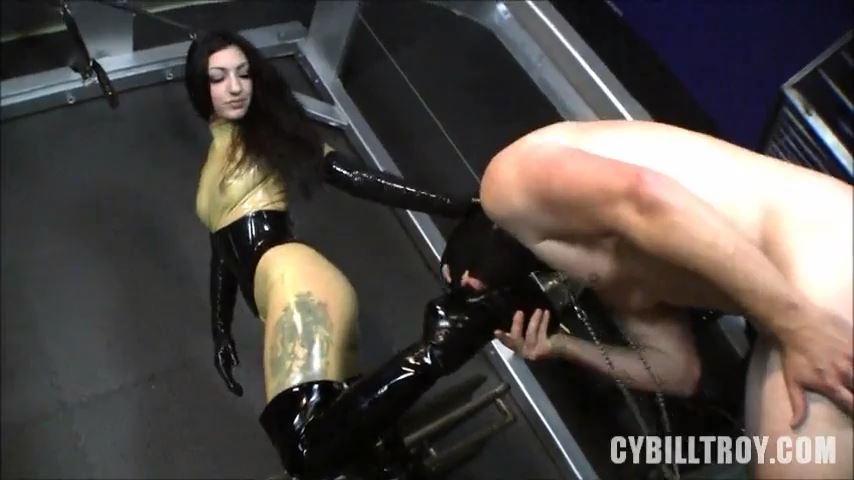 Mistress Cybill Troy In Scene: Cybill's Boot Slave - CYBILL TROY'S DTLA DOMINAS / CYBILLTROY - SD/480p/MP4