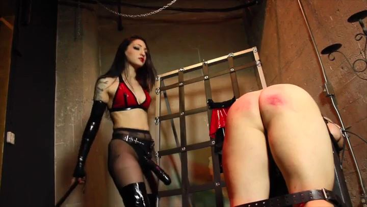 Mistress Cybill Troy In Scene: Spanked Like A Bitch - CYBILL TROY'S DTLA DOMINAS / CYBILLTROY - SD/406p/MP4