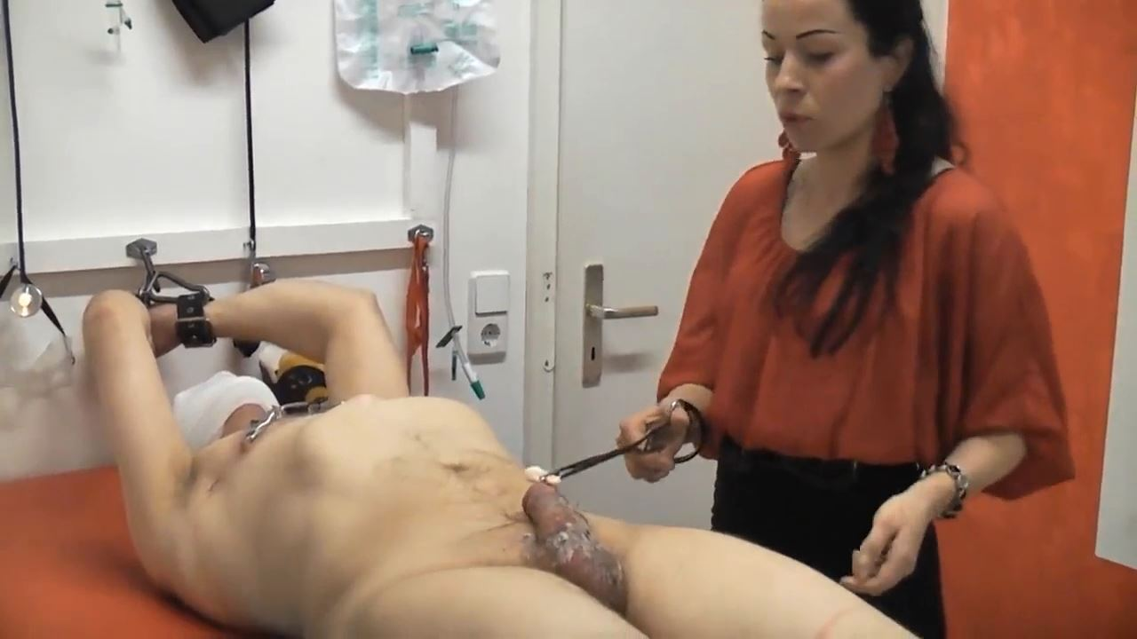 Senora el Combatiente In Scene: Dilator and hot wax for slave cock - DEUTSCHE DOMINAS / GERMANY FEMDOM - HD/720p/MP4