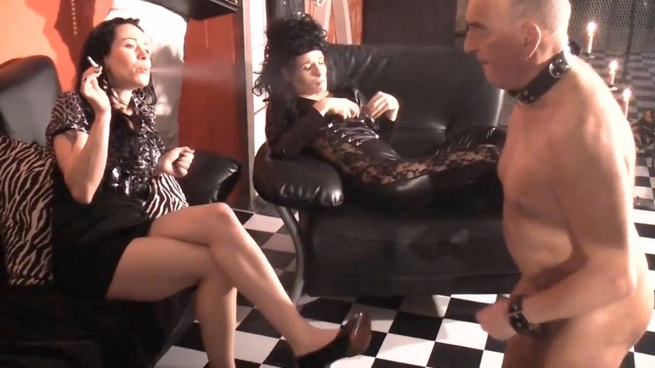 Senora el Combatiente In Scene: Wanking and squirting in front of 2 ladies - DEUTSCHE DOMINAS / GERMANY FEMDOM - HD/720p/MP4