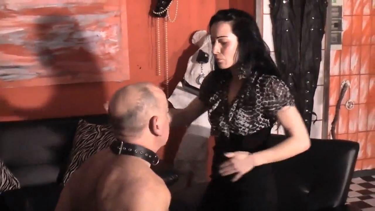 Senora el Combatiente In Scene: Face Slapping of 2 ladies - DEUTSCHE DOMINAS / GERMANY FEMDOM - HD/720p/MP4