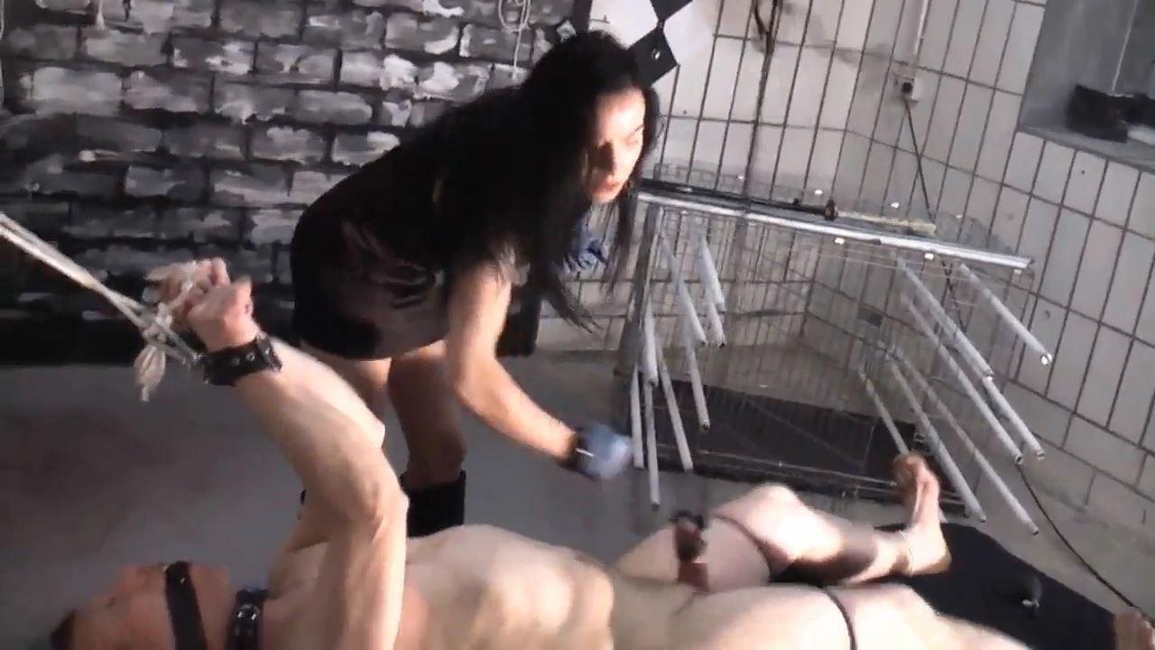 Senora el Combatiente In Scene: Brutal ball-boxing - DEUTSCHE DOMINAS / GERMANY FEMDOM - HD/720p/MP4