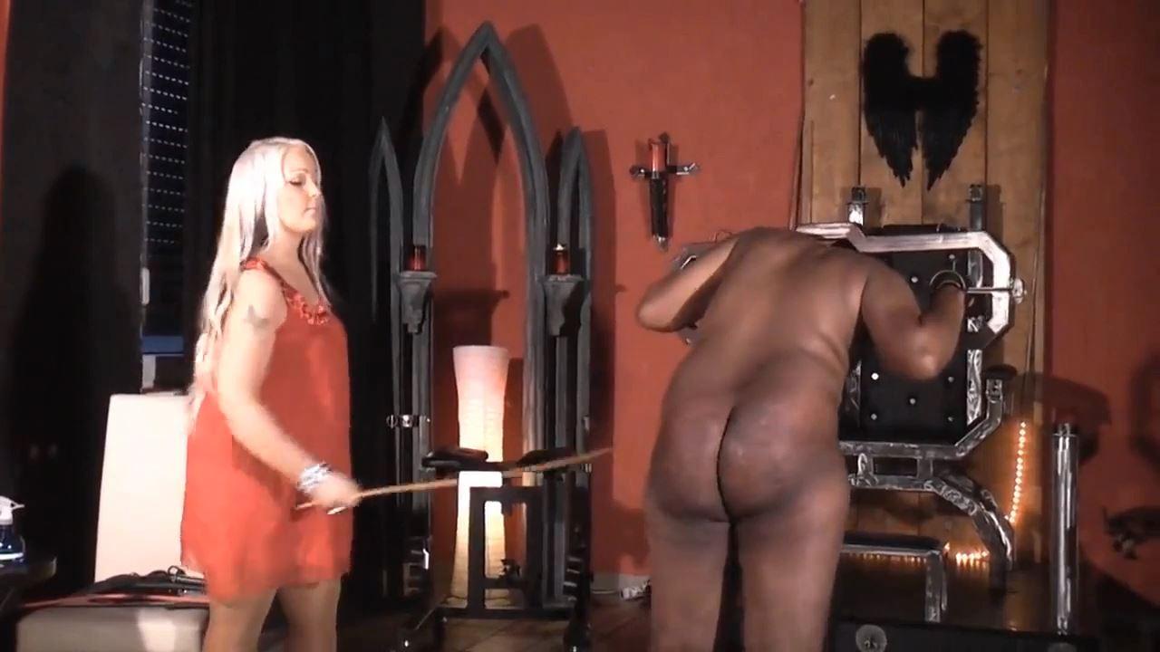 Blonde Domina In Scene: Paddle, whip, cane - DEUTSCHE DOMINAS / GERMANY FEMDOM - HD/720p/MP4