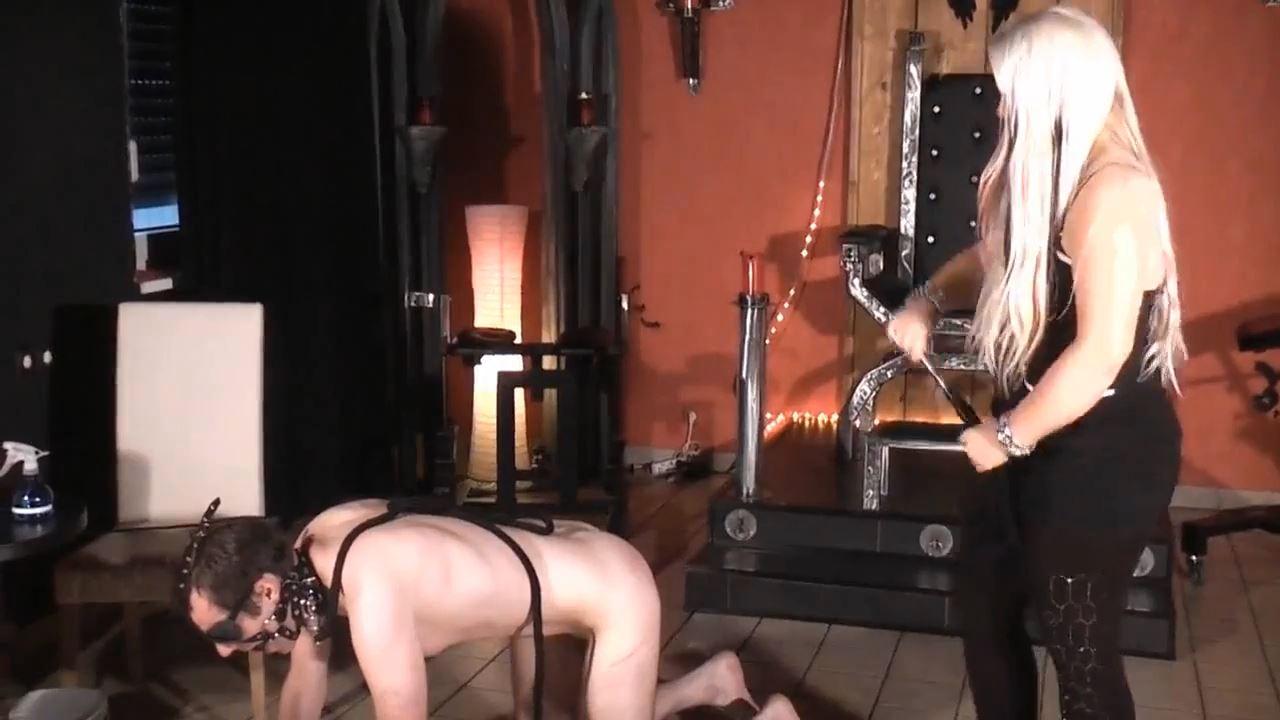 Blonde Domina In Scene: The lame horse - DEUTSCHE DOMINAS / GERMANY FEMDOM - HD/720p/MP4