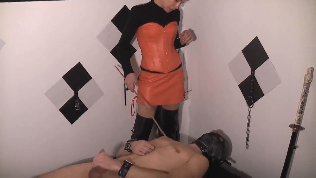 Senora el Combatiente In Scene: The wimp - DEUTSCHE DOMINAS / GERMANY FEMDOM - HD/720p/MP4