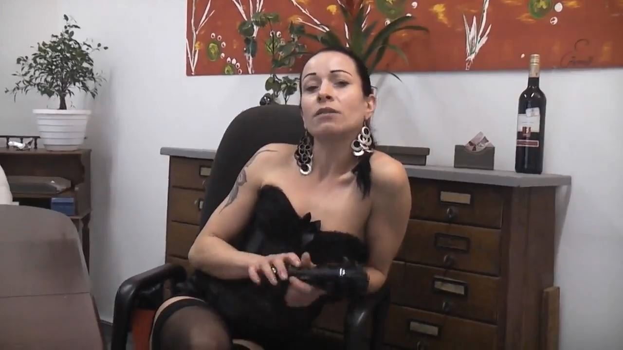 Senora el Combatiente In Scene: New Year Special Cock - DEUTSCHE DOMINAS / GERMANY FEMDOM - HD/720p/MP4