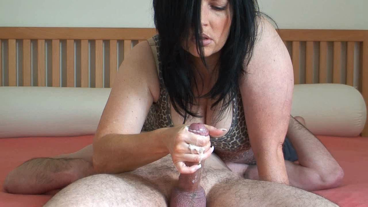 Face Sitting Handjob - HANDJOB BY KLIXEN - HD/720p/MP4