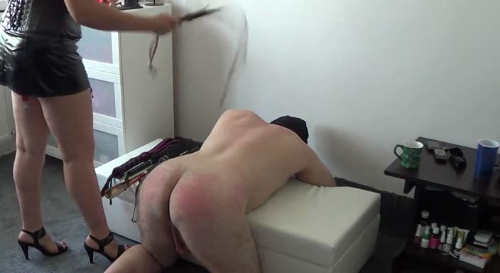 MISTRESS ROBERTA In Scene: Whipping punishment and hot wax - HOUSE OF PAIN - LQ/384p/MP4