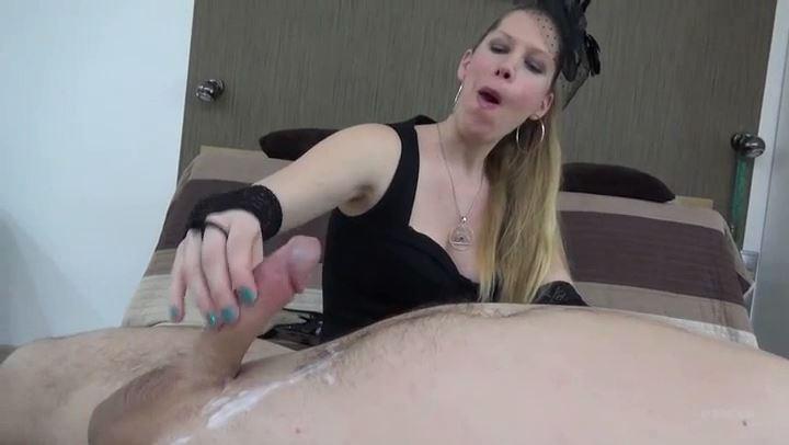 Lady Cruella In Scene: Black Widow - Triple orgasm - LADY CRUELLAS GAMES - SD/406p/MP4