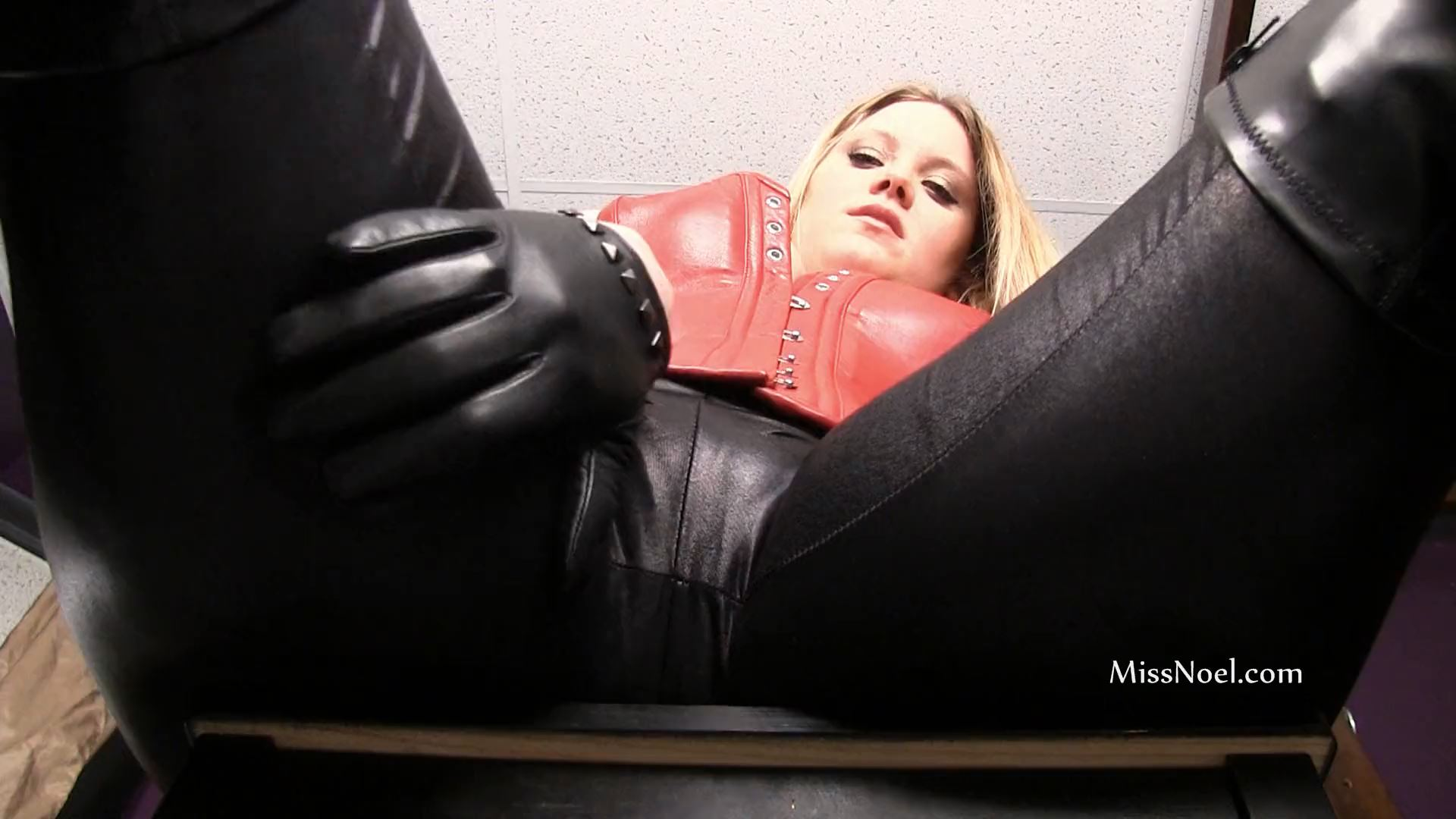 Miss Noel Knight In Scene: HOME WRECKED BY THE LEATHER DOMME - MISSNOEL - FULL HD/1080p/MP4