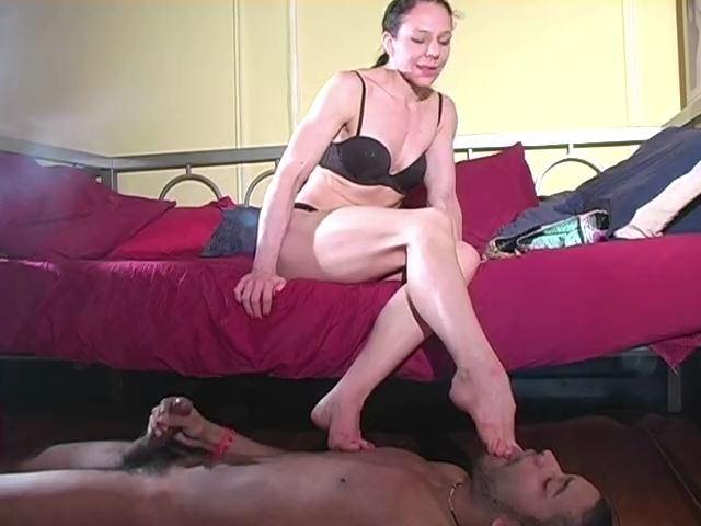Lick and Suck My Feet Clean - MISTRESS TRISH - SD/480p/MP4