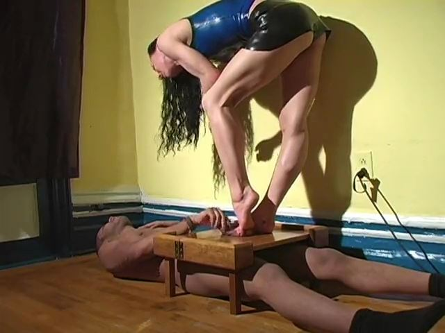 Busing his Balls: Round II - MISTRESS TRISH - SD/480p/MP4