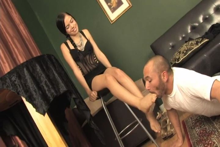 Miss Tiffany In Scene: Miss Tiffany allows her lucky slave to worship her bare feet - MISS-TIFFANY - SD/480p/MP4