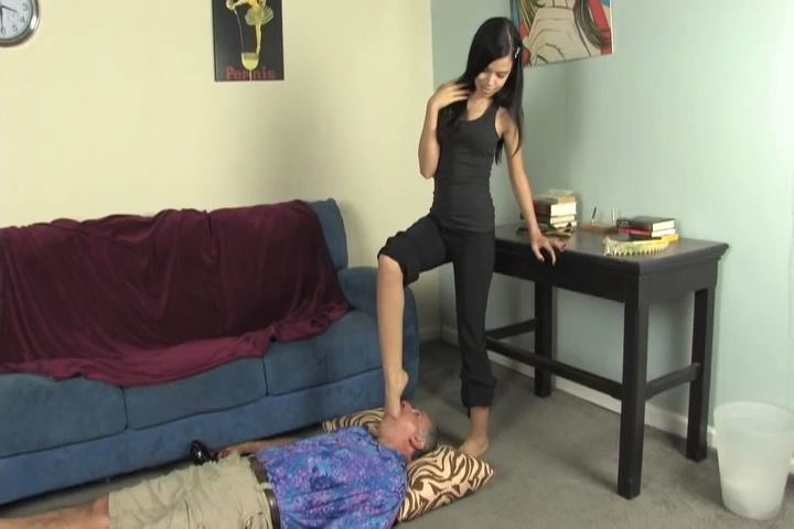 Miss Tiffany In Scene: I smother this freak with My sexy bare feet - MISS-TIFFANY - SD/480p/MP4