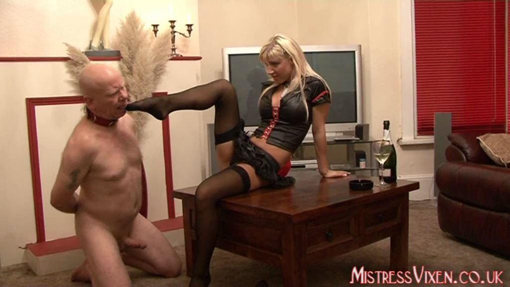 Mistress Vixen In Scene: Footslave - MISTRESSVIXEN - SD/576p/MP4