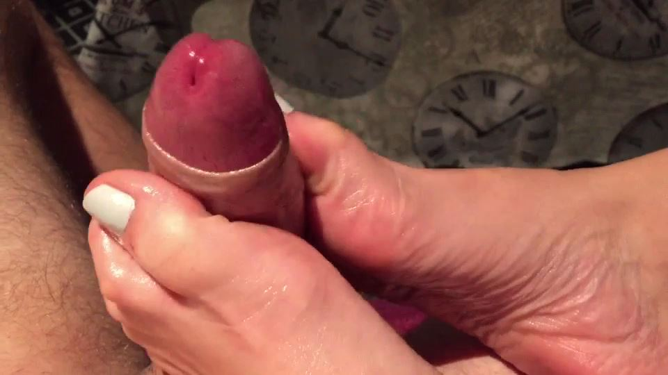 Priscila Young In Scene: POV OILED TOEJOB - CUM EXPLOSION - PRISCILA-YOUNG-FOOTJOBS - SD/540p/MP4