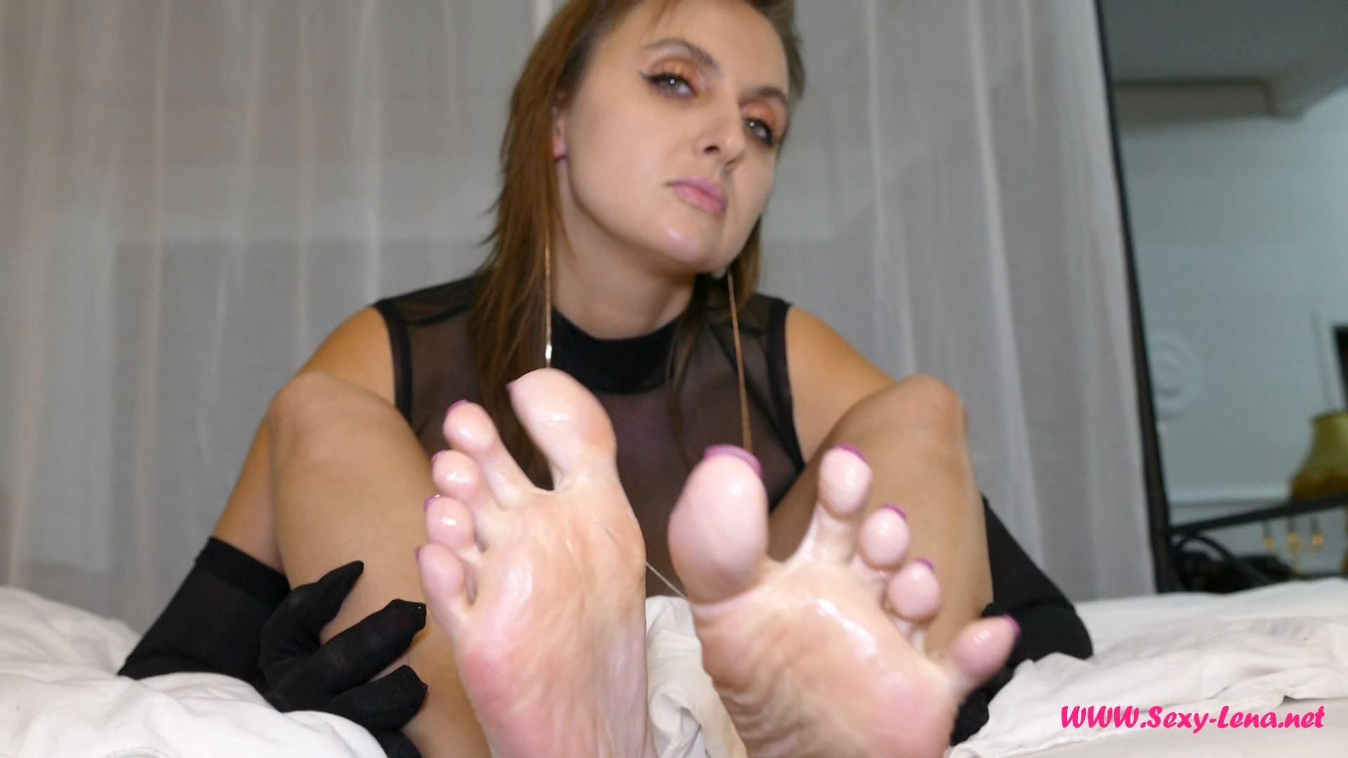 Fetish Model Lena In Scene: I Spit On My Feet - SEXY LENA VIP - FULL HD/1080p/MP4