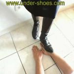 Hands Trample – UNDER-SHOES – SD/576p/MP4