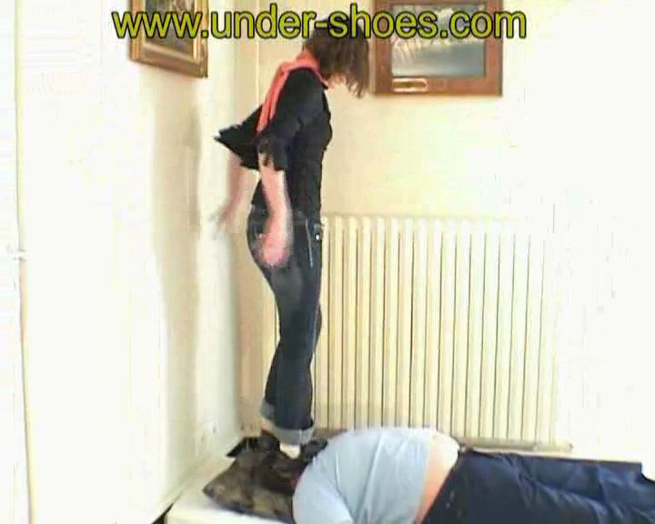 Allice Nike - UNDER-SHOES - SD/576p/MP4