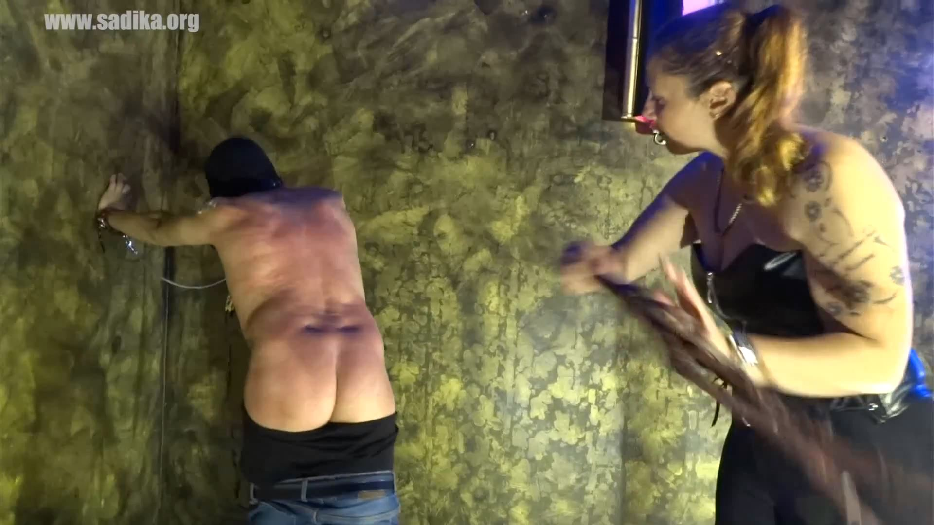 Jennyfer Cruel In Scene: Whipping Slave 2 - WOMEN WEIGHT / SADIKA - FULL HD/1080p/MP4