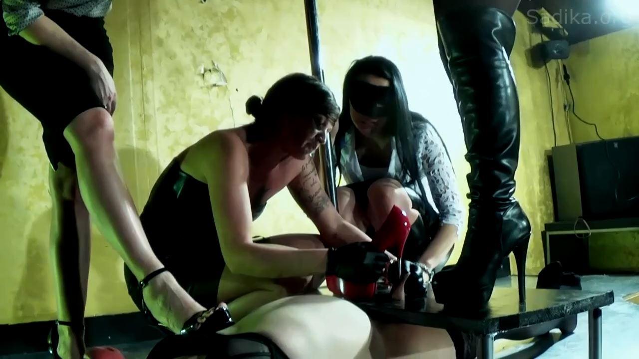 Jennyfer Cruel In Scene: Full Day 4_Cook Crush Pig - WOMEN WEIGHT / SADIKA - HD/720p/MP4