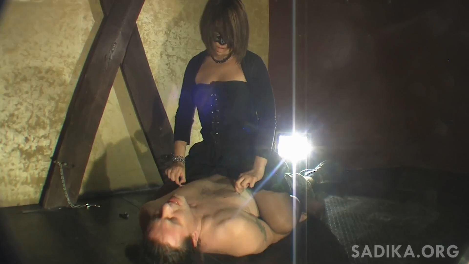 Jennyfer Cruel In Scene: Nipples Torture 2 - WOMEN WEIGHT / SADIKA - FULL HD/1080p/MP4