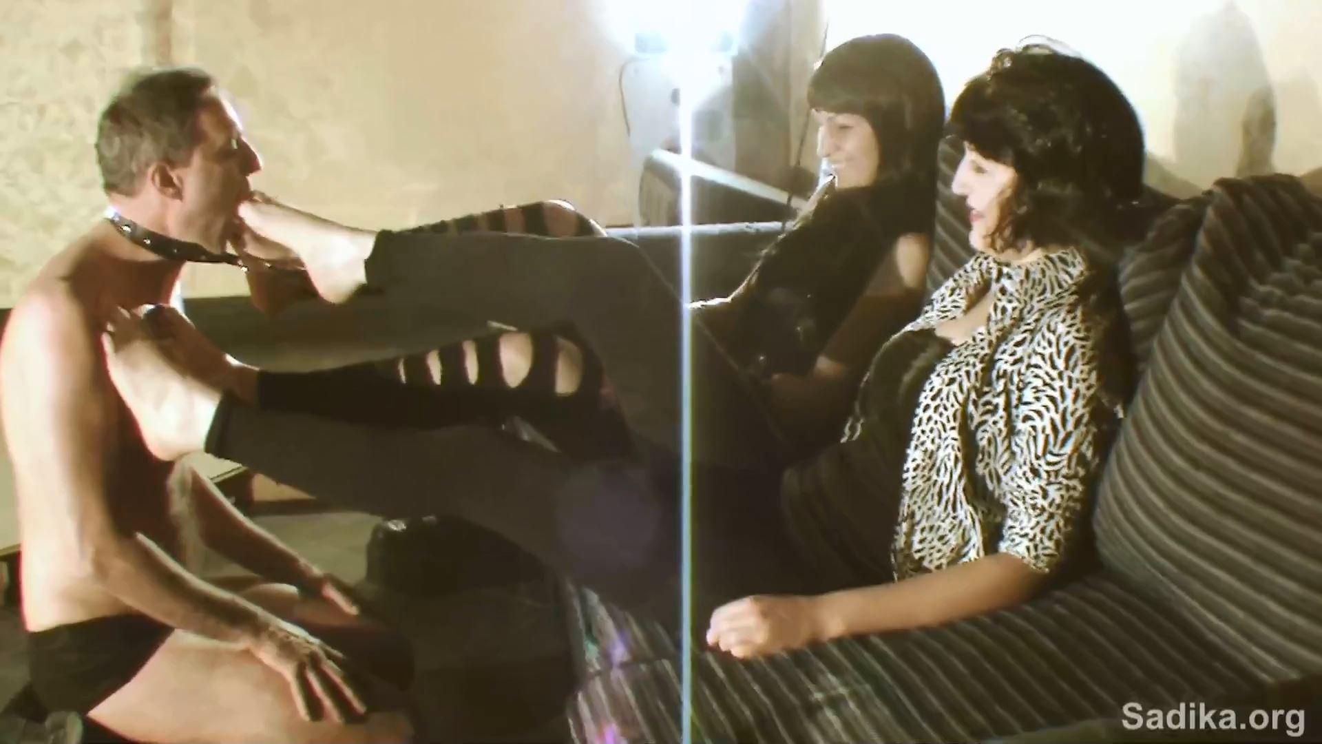 Jennyfer Cruel In Scene: Pony And Feet Wroship - WOMEN WEIGHT / SADIKA - FULL HD/1080p/MP4
