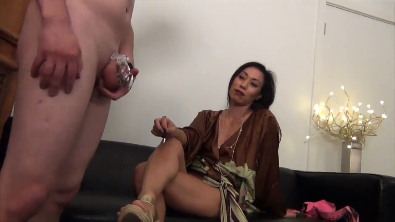 I'M YOUR BITCH! Goddess Pepper - ASIAN MEAN GIRLS - HD/720p/MP4