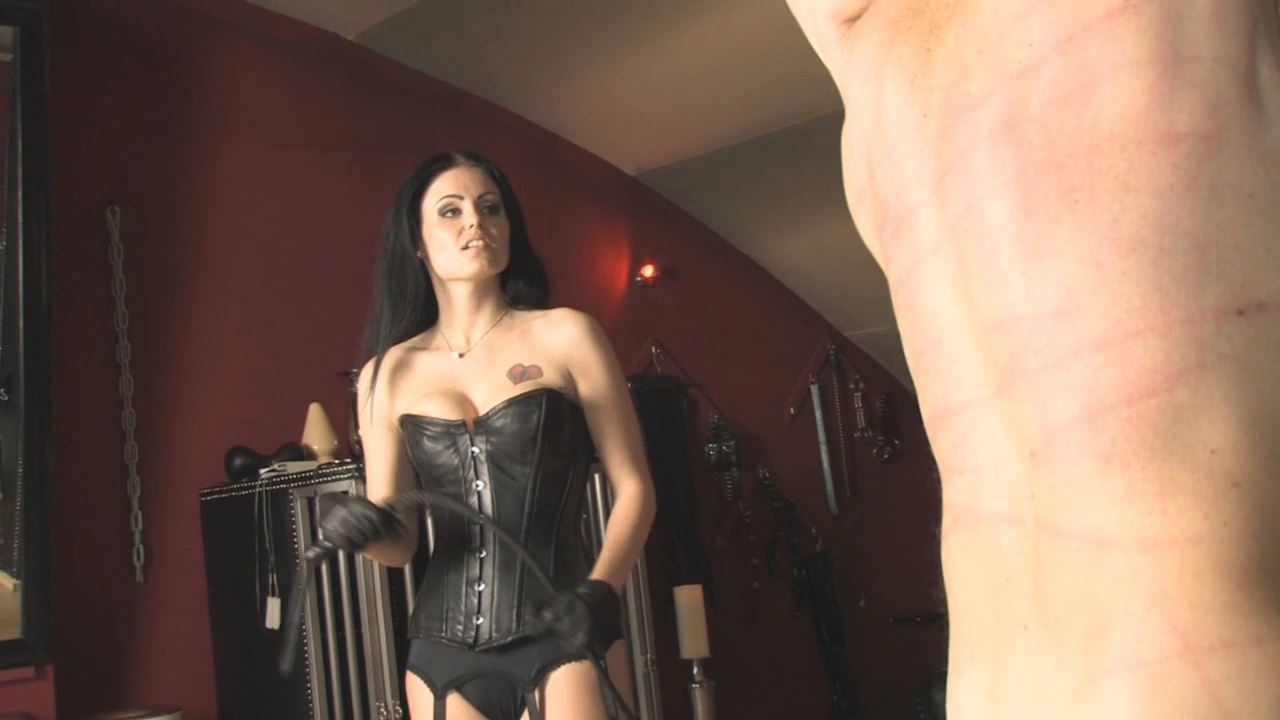 Mistress Blackdiamoond In Scene: Spanking Mistress - BLACKDIAMOOND - HD/720p/MP4