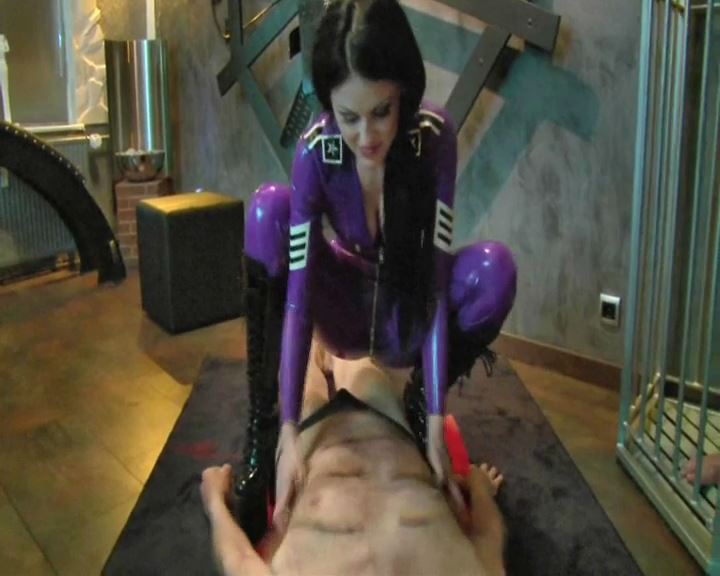 Mistress Blackdiamoond In Scene: Tickle Torture 2014 - BLACKDIAMOOND - SD/576p/MP4